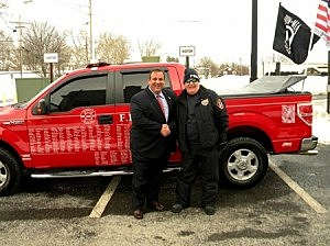Mark Anthony Niemczyk (R)  with Gov. Christie (Cliffviewpilot.com)
