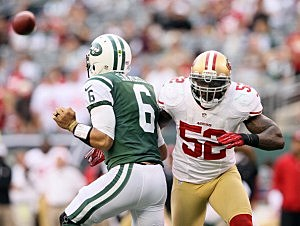 Patrick Willis of the San Francisco 49ers pressures Mark Sanchez
