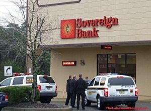 Police respond to attempted robbery at Sovereign Bank on Route 70 in Lakewood