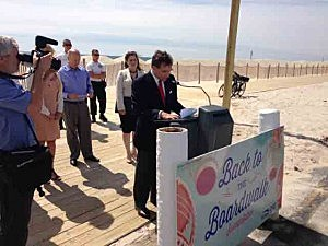 Christopher M. Lepre, Senior Vice President, Market Business Units, at Horizon BCBSNJ announces the sweepstakes in Lavallette.