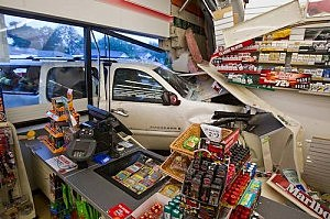 SUV crashes into Manasquan 7-11