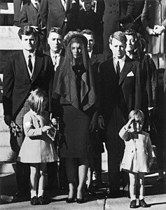 Members of the Kennedy family at the funeral of assassinated president John F. Kennedy at Washington DC. From left: Senator Edward Kennedy, Caroline Kennedy, (aged 6), Jackie Kennedy (1929 - 1994), Attorney General Robert Kennedy and John Kennedy (1960 - 1999) (aged 3).   (Photo by Keystone/Getty Images)