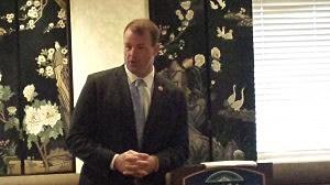 Congressman Jon Runyan addresses Ocean County mayors