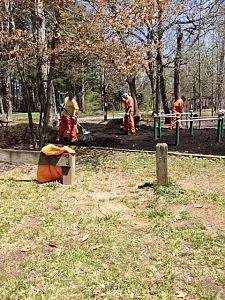 Monmouth County Inmates Tend Lake Topanemus Park (Sheriff Shaun Golden)