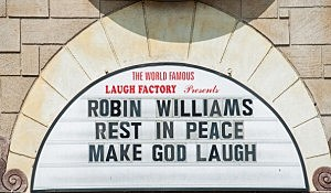 The Laugh Factory honors Robin Williams memory in Los Angeles