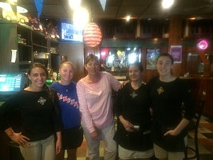 Klee's Waitresses (L-R) Ashley, Colleen, Kellee, Susie, Dana