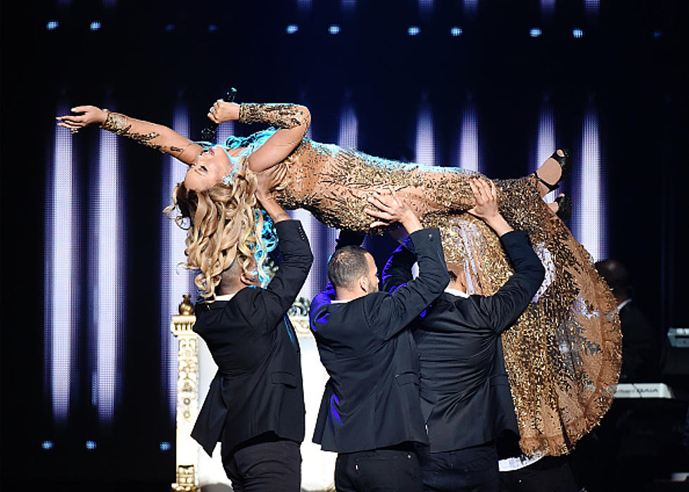 Mariah Carey Nails It in Jersey! Check Out Video From Her Stop in NJ ...